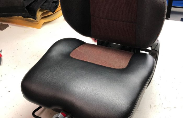 Réparation siège chariot élévateur par la sellerie minot